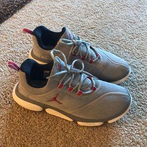 Men's Grey Jordan Cushlon Sneakers (size 10)